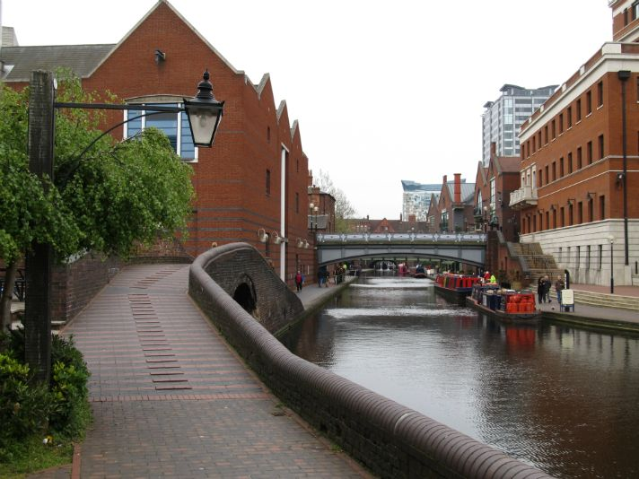 Towards Gas Street Basin from Old Turn