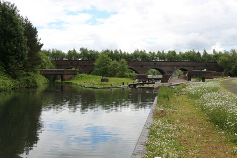 Grazebrook Branch, Pensnett Junction, Parkhead Top Lock, Parkhead Viaduct